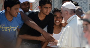 VATICAN-POPE-VISIT-LESBOS-IMMIGRATION