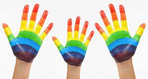 mani_arcobaleno